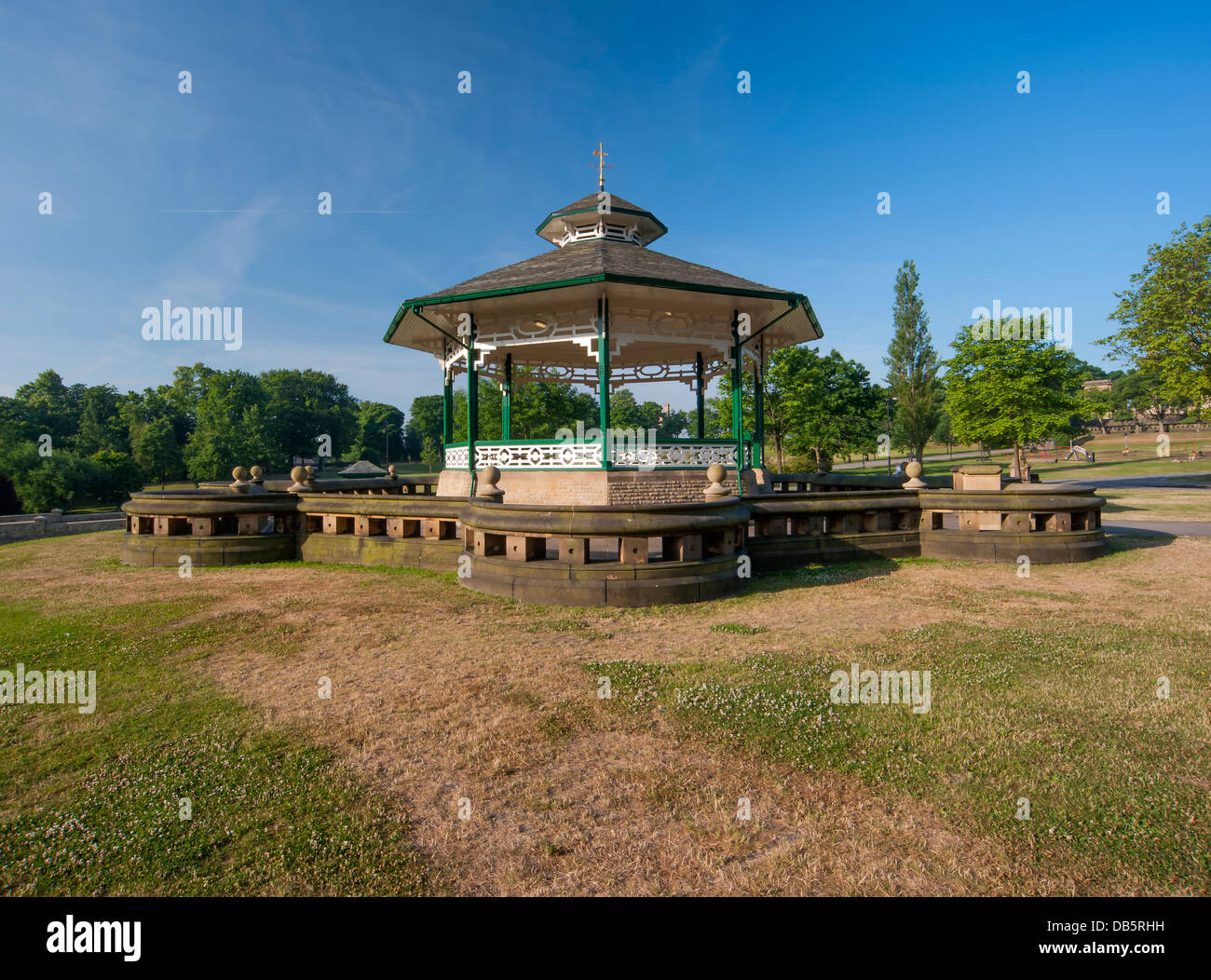 Victorian bandstand in Greenhead park, Huddersfield - Stock Image