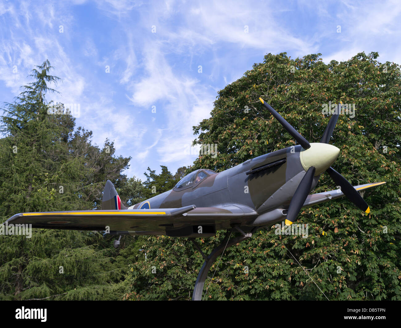 dh Memorial Park HAMILTON NEW ZEALAND Spitfire mk xvi replica aeroplane ww2 fighter plane aircraft world war two - Stock Image