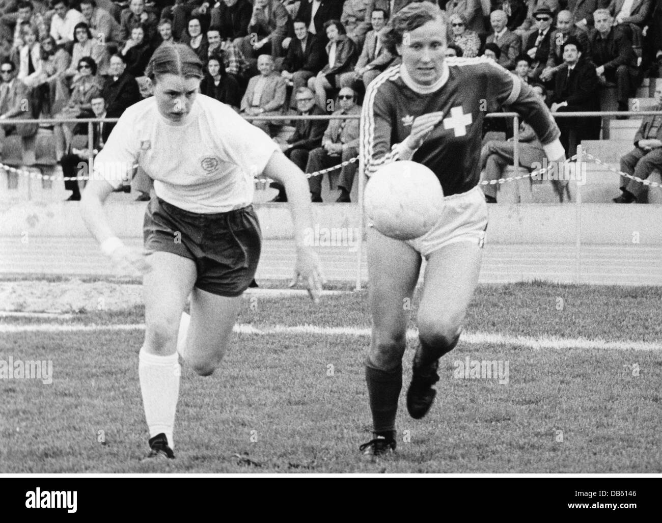 sports, football, women's football, match Switzerland versus England, Basel, 19.4.1975, Additional-Rights-Clearences - Stock Image