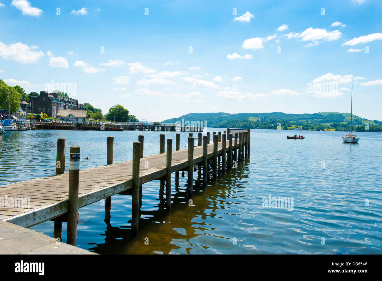 A jetty on Lake Windermere at Waterhead, Ambleside in the Lake District. - Stock Image