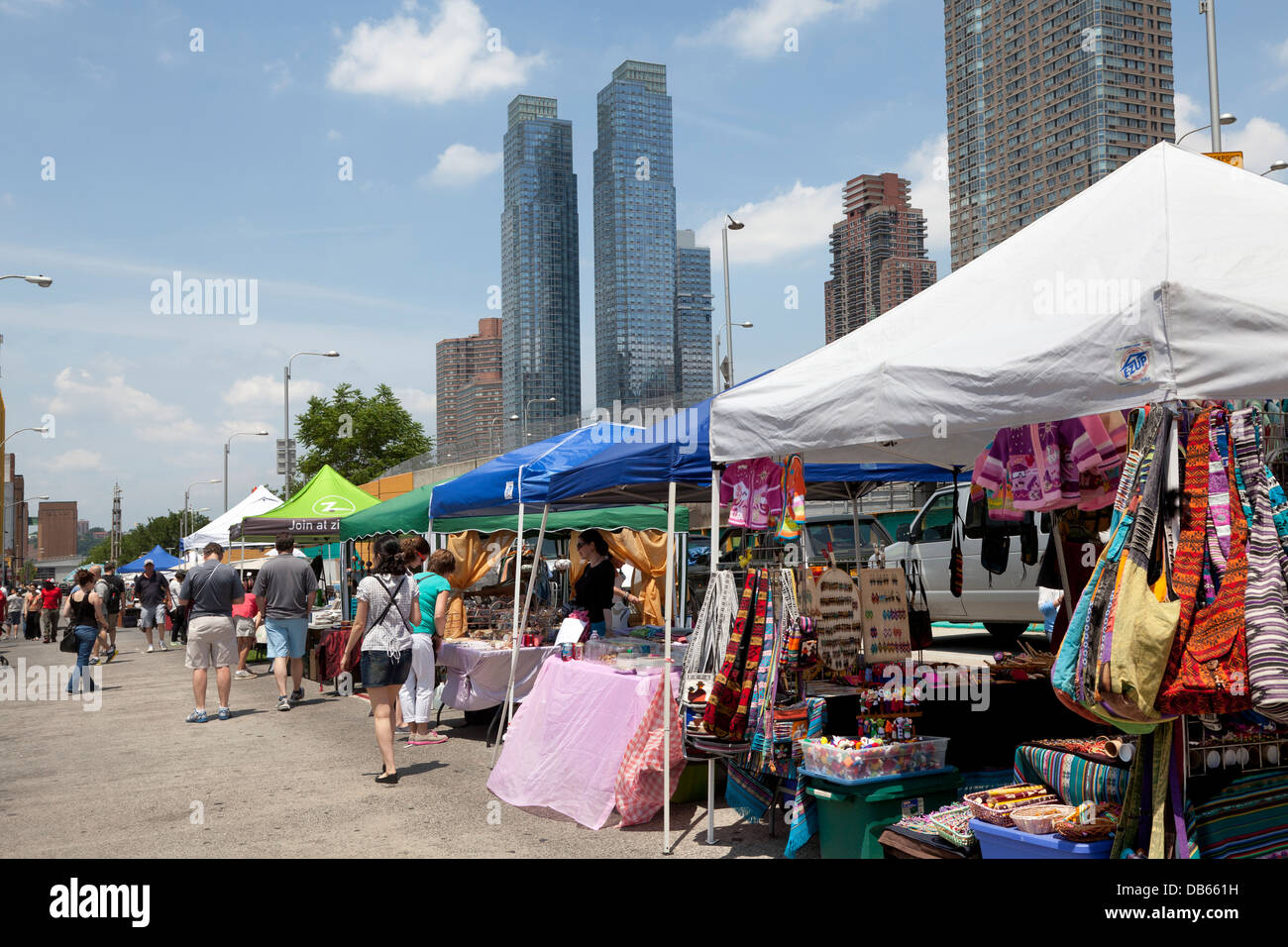 Flea market in Hell's Kitchen, NYC, New York City - Stock Image