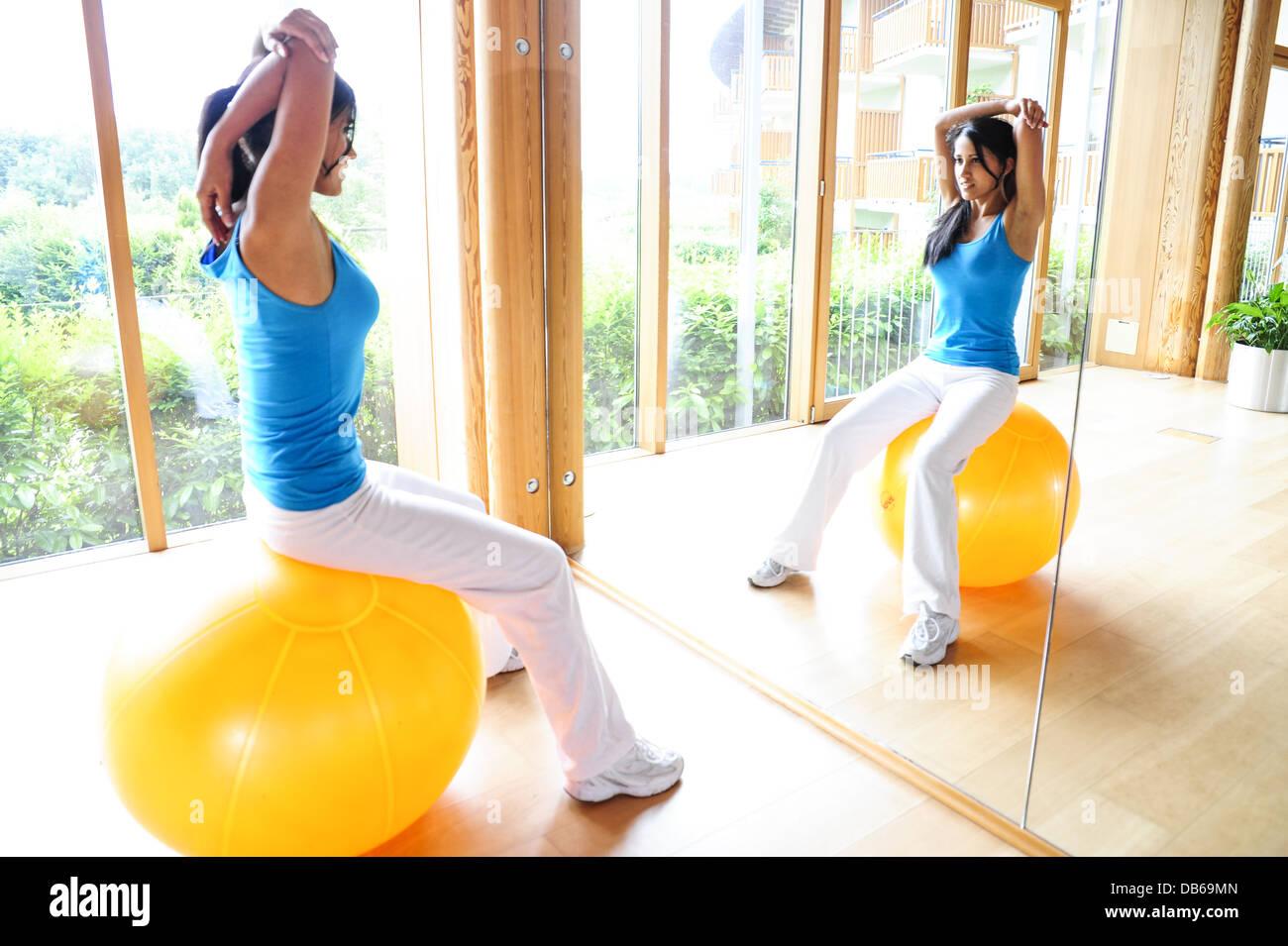 Øvre rygsmerter Stock fotos Øvre rygsmerter-5174