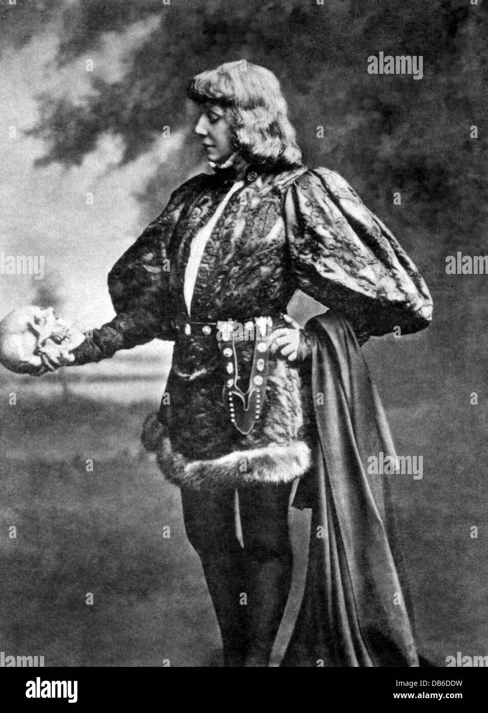 SARAH BERNHARDT (1844-1923) French stage and film actress as Hamlet  in 1889 - Stock Image