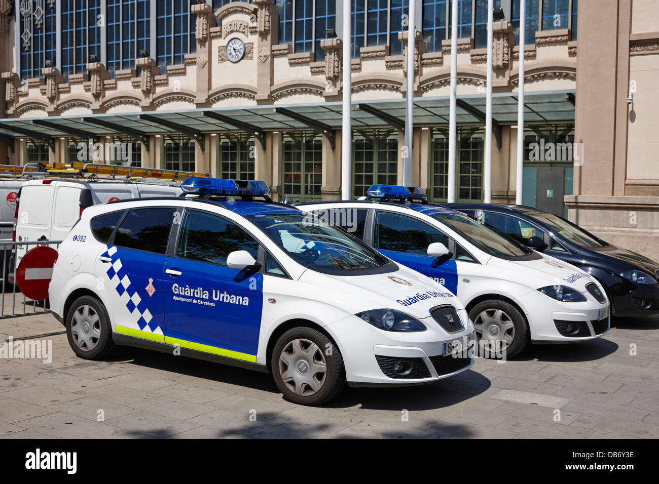 policia guardia urbana patrol cars outside estacio del nord station Barcelona Catalonia Spain - Stock Image