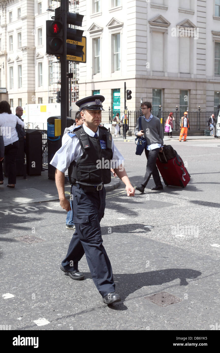Walking Policeman in central London, near Paddington Station. July 2013 - Stock Image