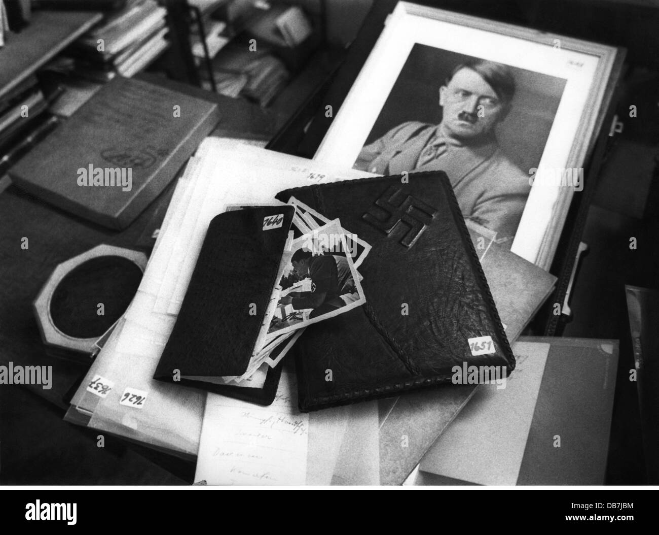 trade, auctions, auction of things from the possession of Adolf Hitler, Sotheby's, London, April 1971, Additional - Stock Image