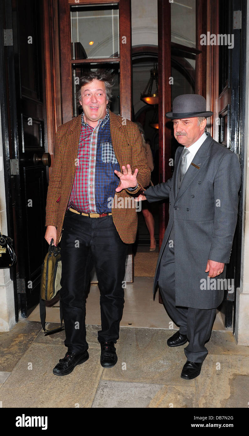 Stephen Fry leaving the Lanesborough Hotel London, England - 14.05.11 - Stock Image