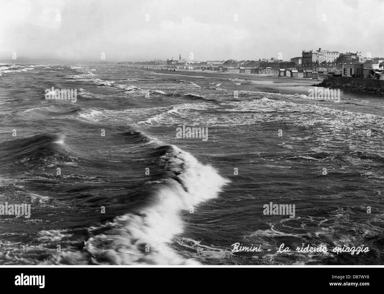 geography / travel, Italy, Rimini, city views / cityscapes, La ridente spiaggia, picture postcard, circa 1959, Additional - Stock Image