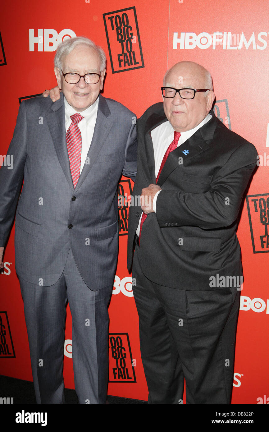Warren Buffett, Ed Asner HBO presents the premiere of 'Too Big To Fail' based on the book by Andrew Ross - Stock Image