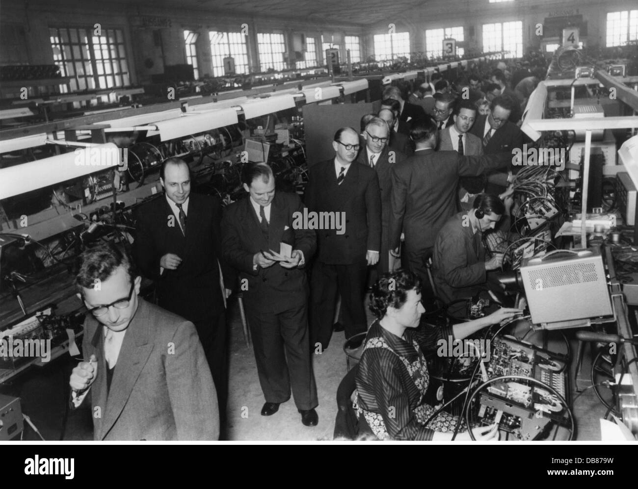 industry, radio and TV sets, Grundig plant, Fuerth, production hall for broadcast receivers, visit of British and - Stock Image