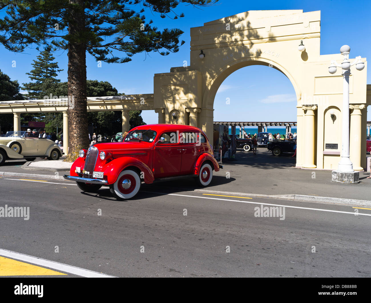 dh marine parade napier new zealand classic vintage car art deco stock photo 58574527 alamy. Black Bedroom Furniture Sets. Home Design Ideas
