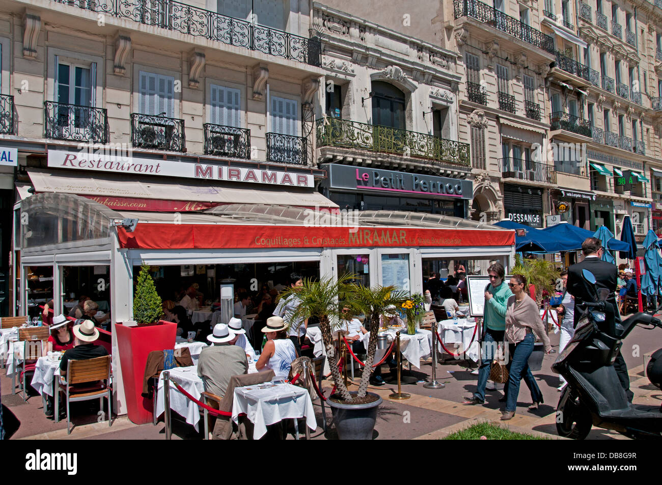 Miramar bouillabaisse fish soup restaurant cafe bar pub marseilles stock photo 58580755 alamy - Au vieux port restaurant marseille ...