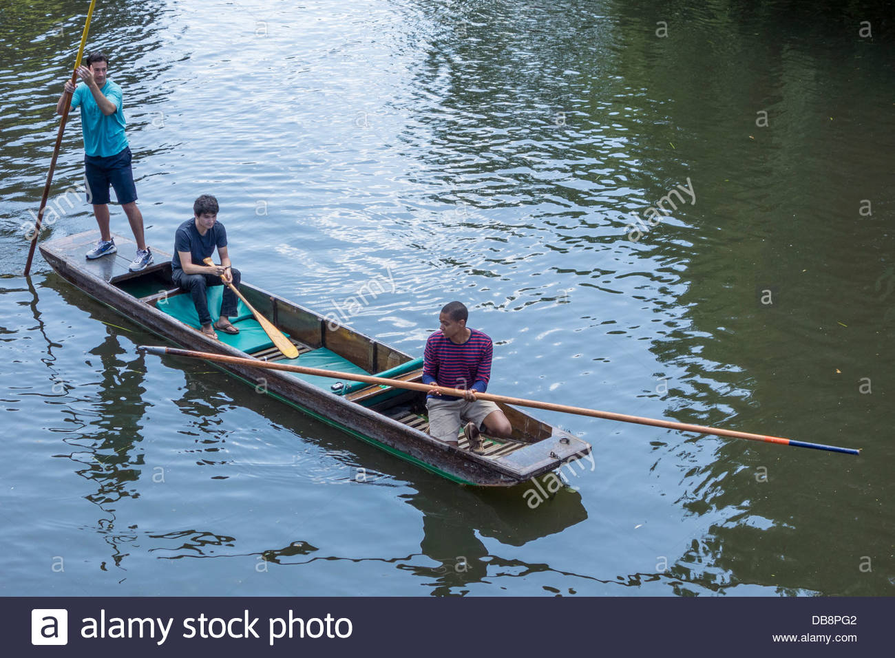 Punters pick up the lost pole left by accident by a group of inexperienced punters on the River Cam - Stock Image