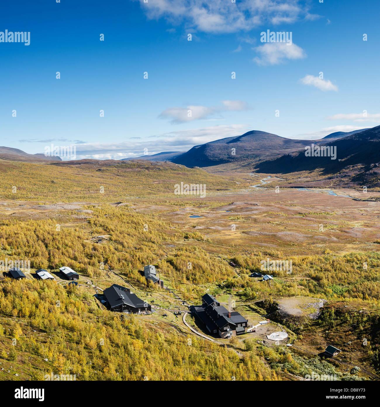 Autumn view over STF Kebnekaise Fjällstation mountain hut, Lappland, Sweden - Stock Image