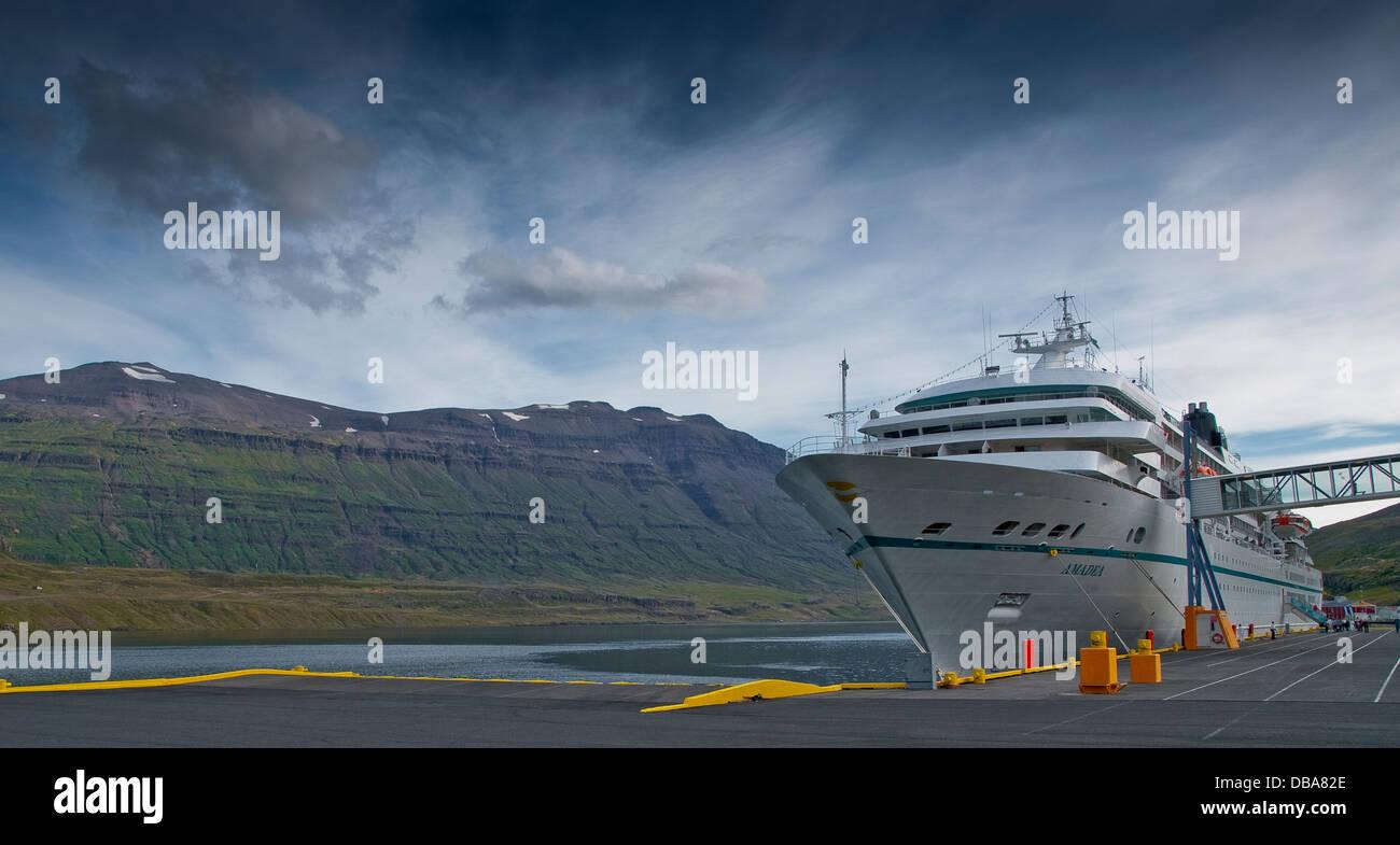 Amadea Ferry docked in the harbor and fjord Seyðisfjörður. Iceland, Scandinavia, Europe. - Stock Image