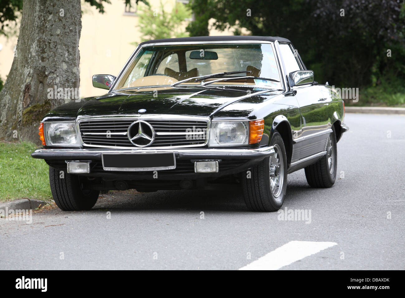 Mercedes SEL coupe black - Stock Image