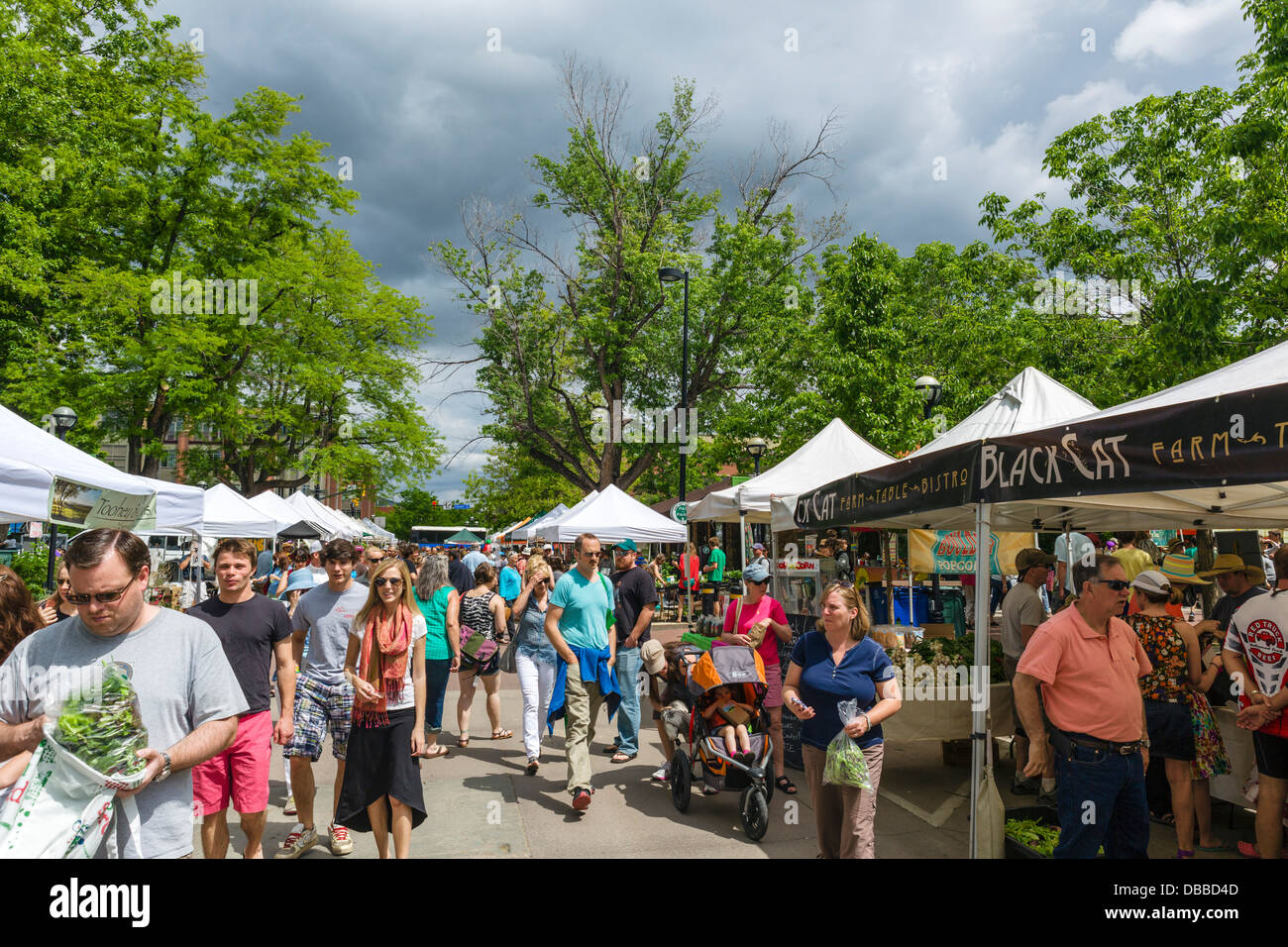 Boulder Saturday Farmers' Market on 13th Street in downtown Boulder, Colorado, USA - Stock Image