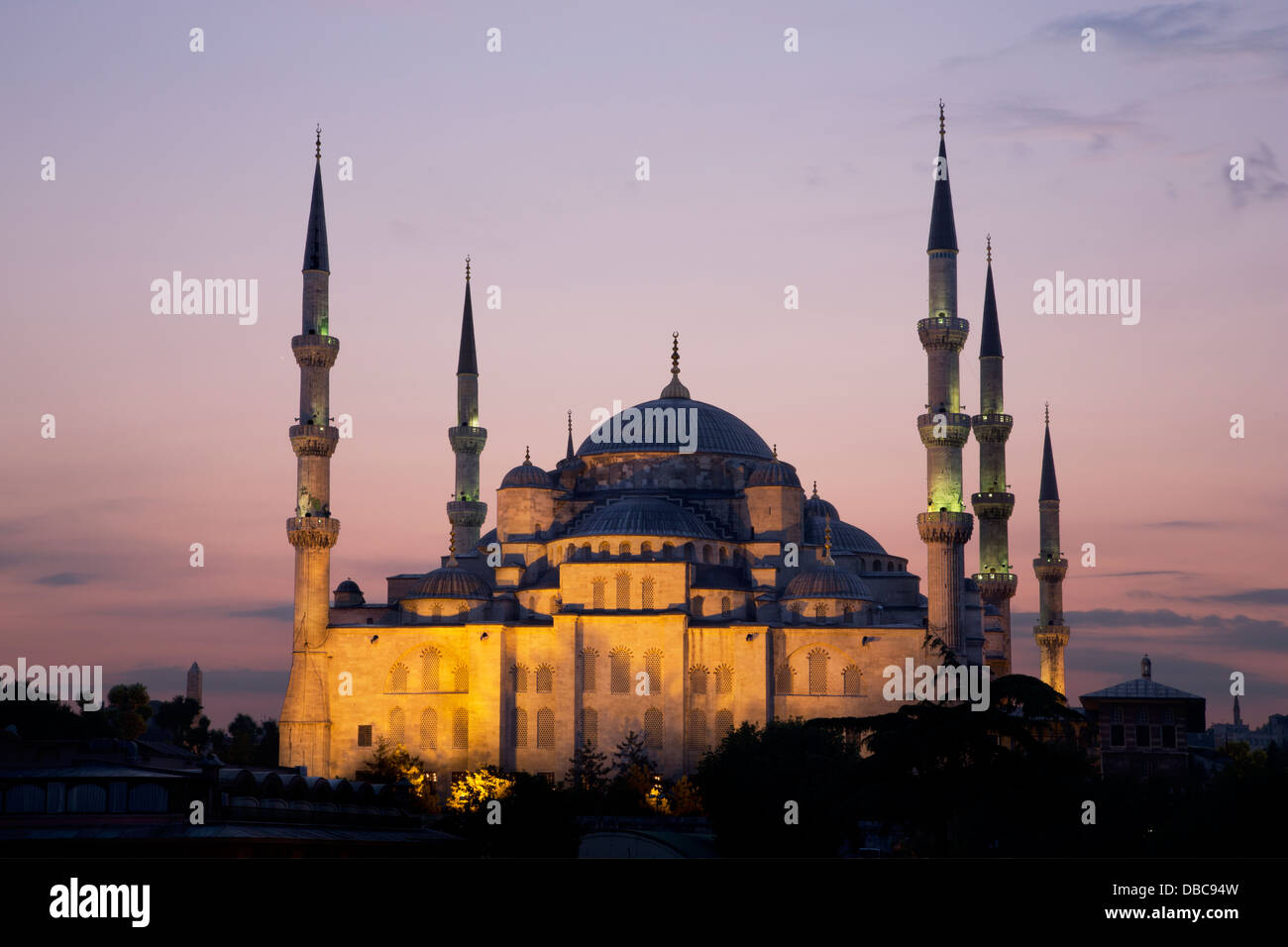 The Blue Mosque in Istanbul at dusk - Stock Image