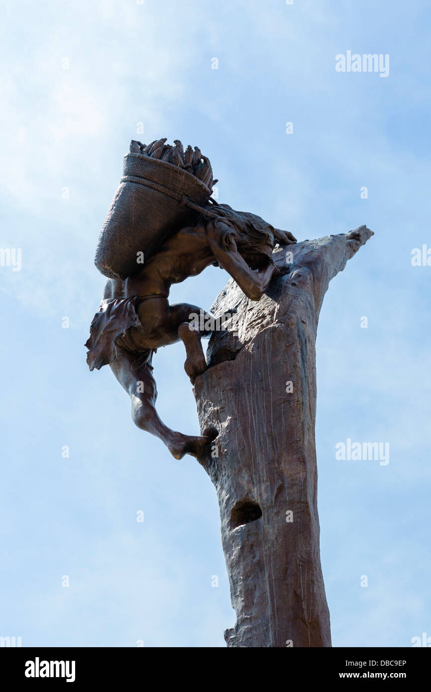 Sculpture outside the Visitor Center at Mesa Verde National Park, Cortez, Colorado, USA - Stock Image