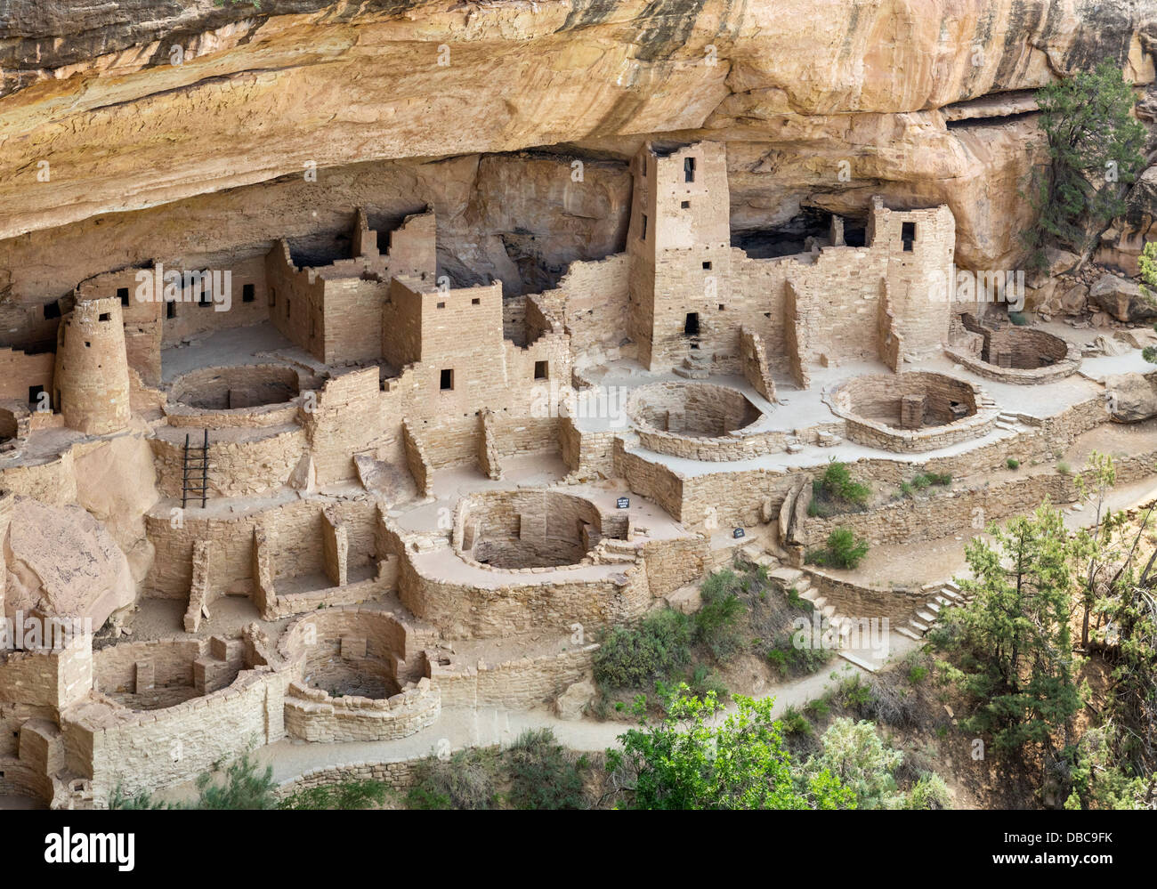 a look at the main attraction of mesa verde national park Look for current hotel deals in mesa verde national park  inside the park but  even that is still a good 30 minutes from the main attractions.