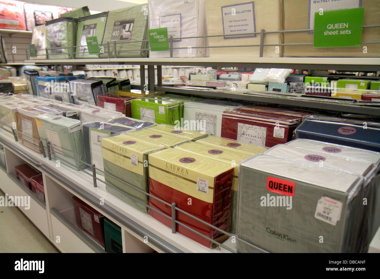 Bedding Display Retail Store Stock Photos Amp Bedding
