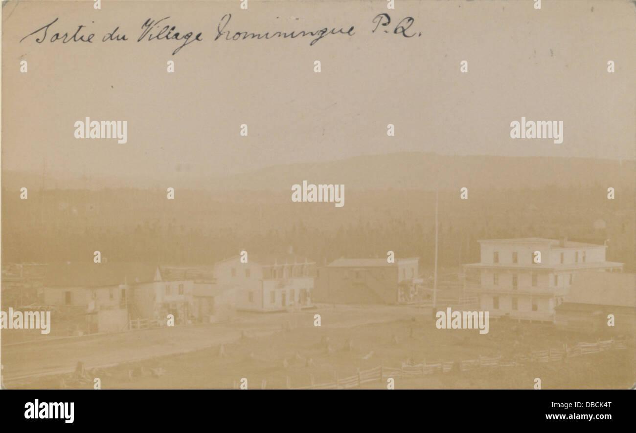 Sortie ilu village, Nominiugue, PQ (HS85-10-19361) - Stock Image