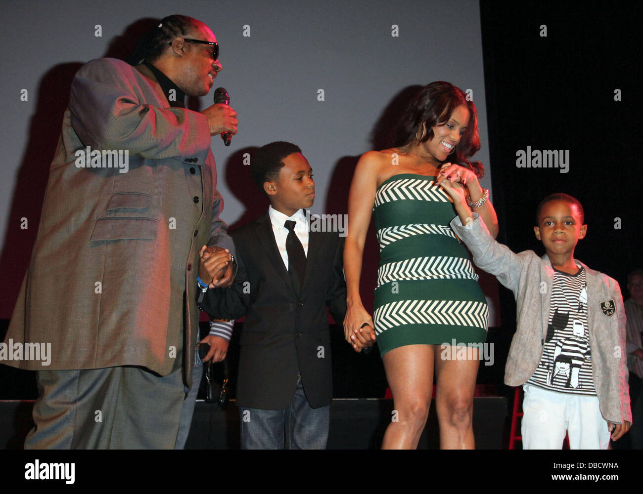 Stevie Wonder With His Wife Kai Millard Morris And 2 Sons 9th Annual Stock Photo Alamy