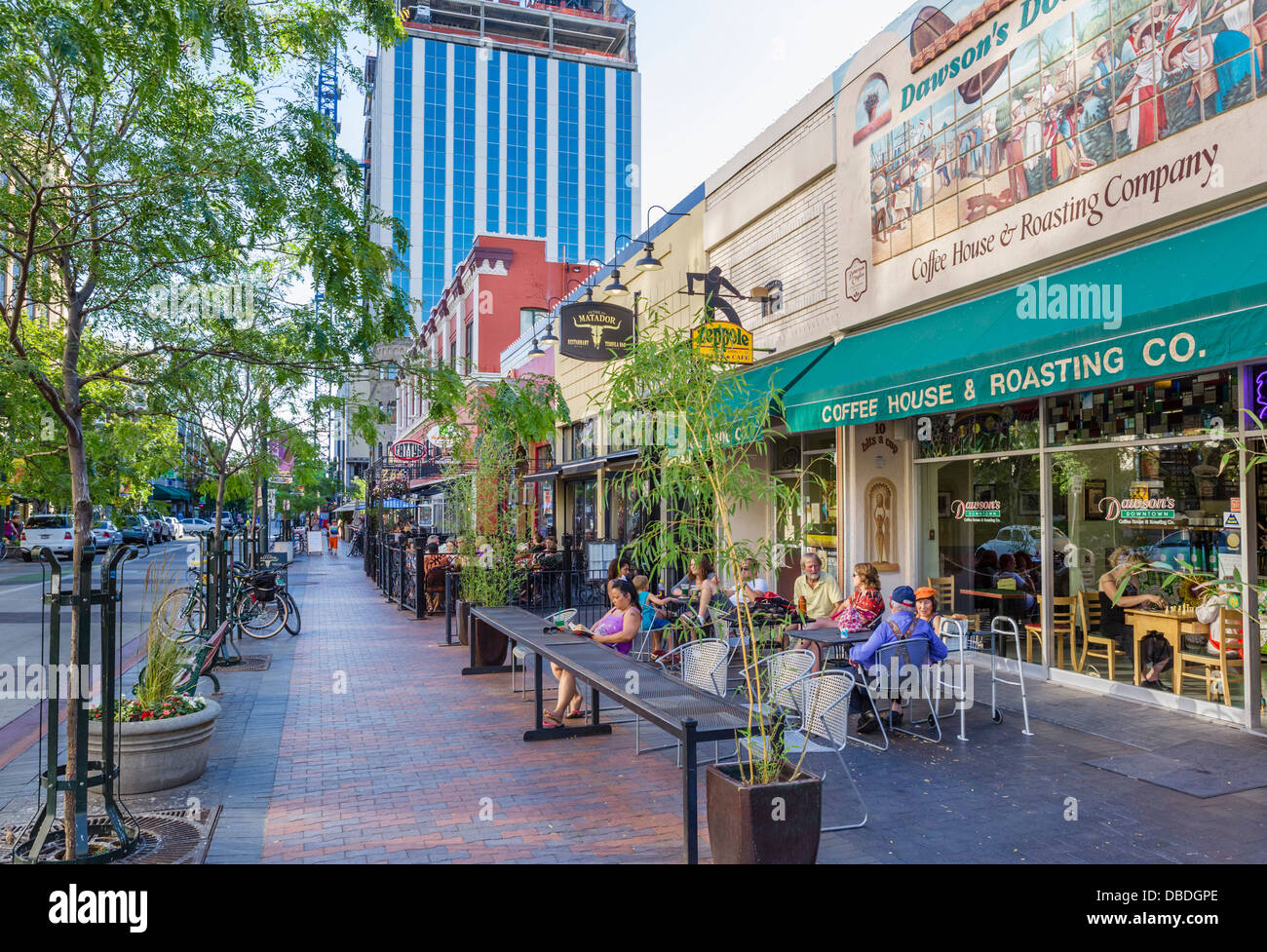 Sidewalk cafe on N 8th Street in the early evening, historic downtown Boise, Idaho, USA - Stock Image