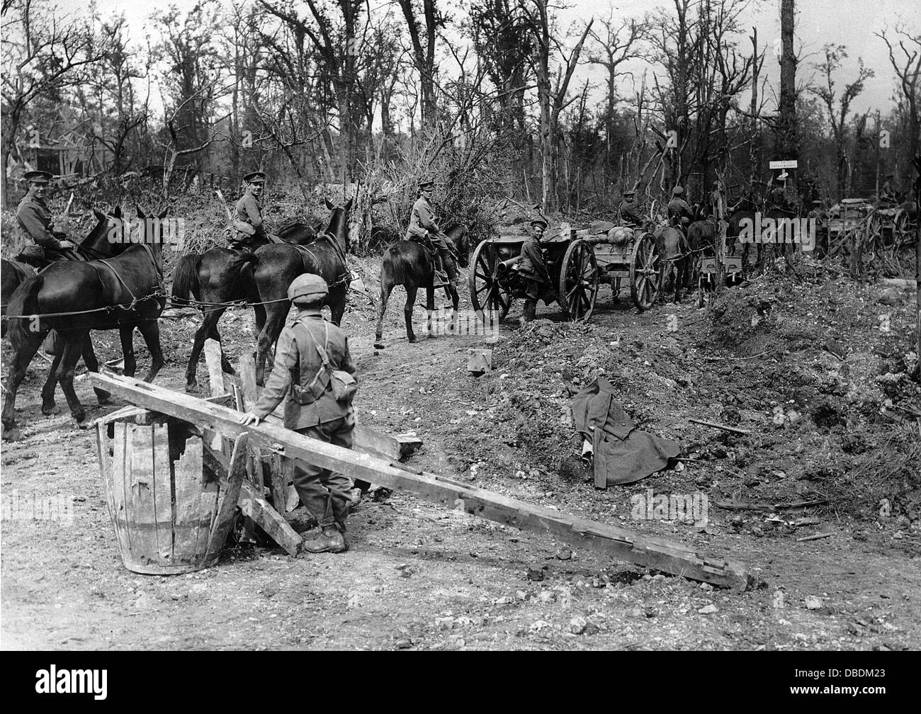 Great War field artillery moves into the front - Stock Image