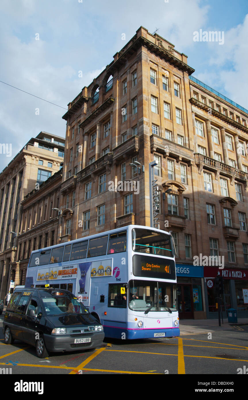 Traffic at George Square merchant city central Glasgow Scotland Britain UK Europe - Stock Image