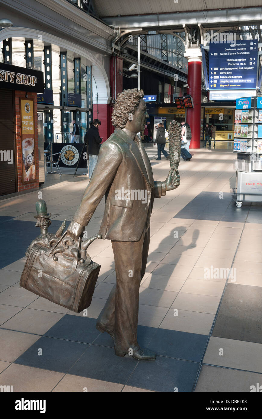Sculptures by Sculptor Tom Murphy at  Liverpool's Lime Street Railway Station, of entertainer and comedian Ken - Stock Image