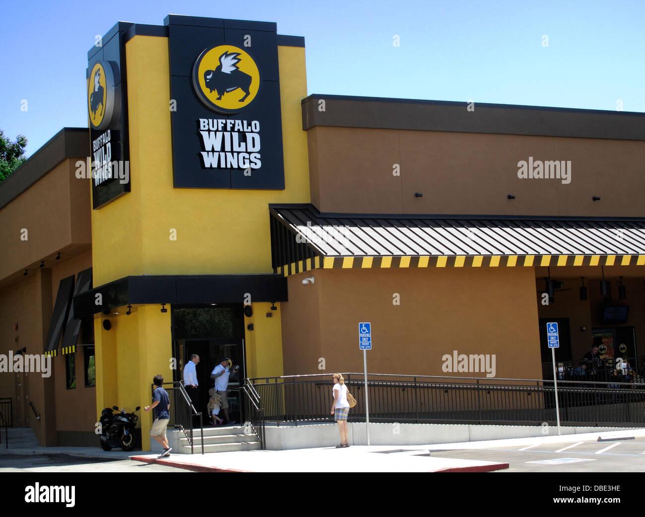 Buffalo Wild Wings Stock Photos & Buffalo Wild Wings Stock Images ...