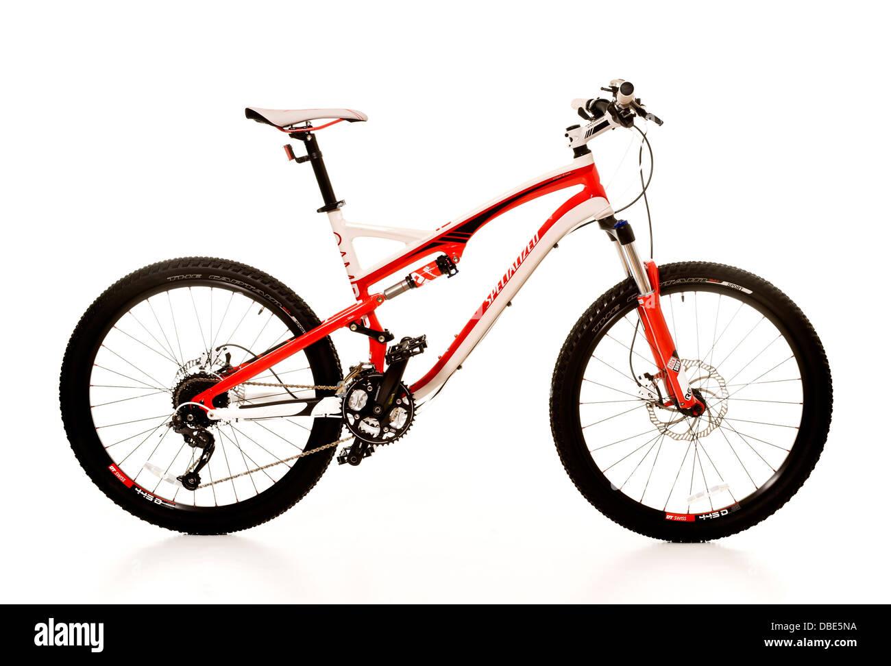 Studio shot of side view of a mountain bike. - Stock Image