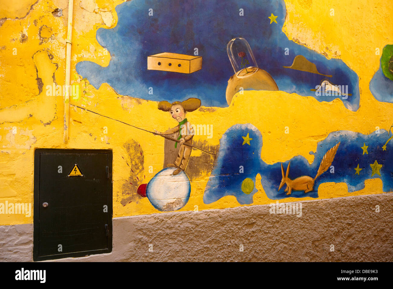 Funchal Old Town (Zona Velha), painted wall by local artist, Madeira Island, Portugal - Stock Image