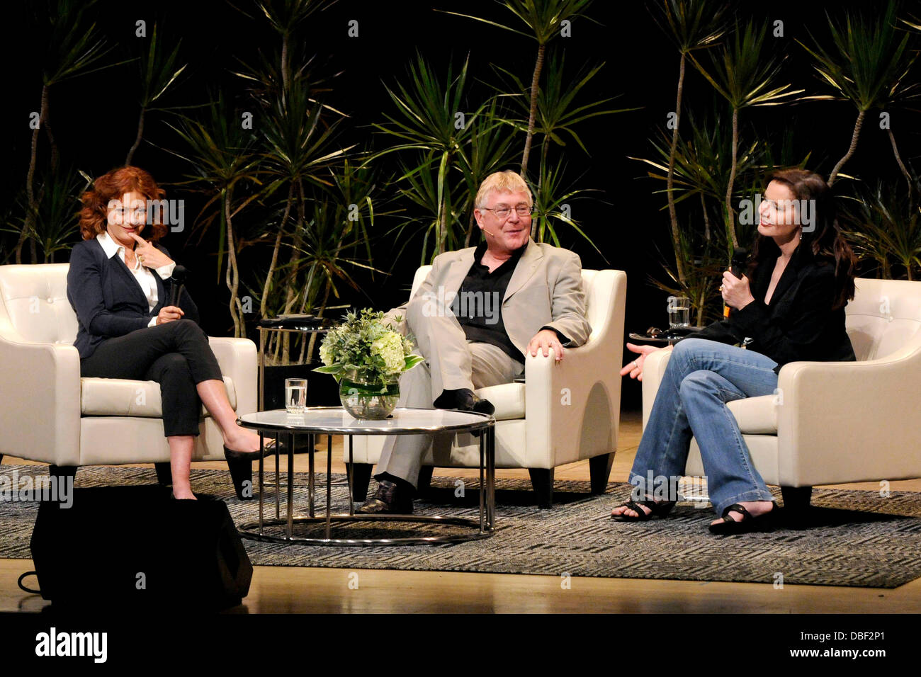 Susan Sarandon, Richard Ouzounian, and Geena Davis  'Thelma & Louise' The 20th Anniversary Homecoming - Stock Image