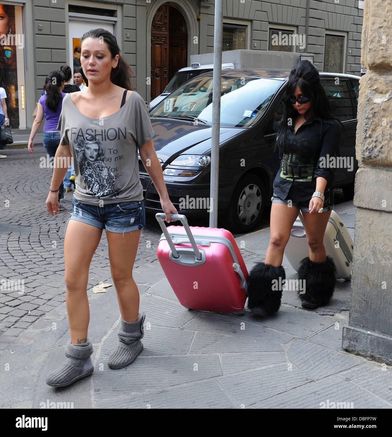 Nicole 'Snooki' Polizzi and Jenni 'Jwoww' Farley shop in the San Lorenzo markets of Florence. The - Stock Image