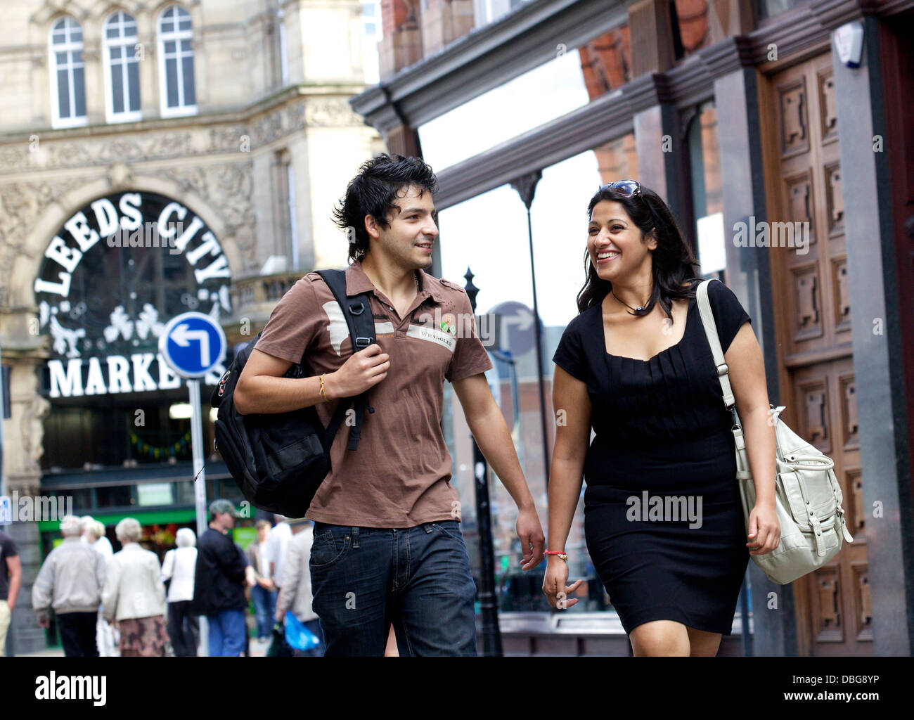 young couple shopping in Leeds city centre - Stock Image