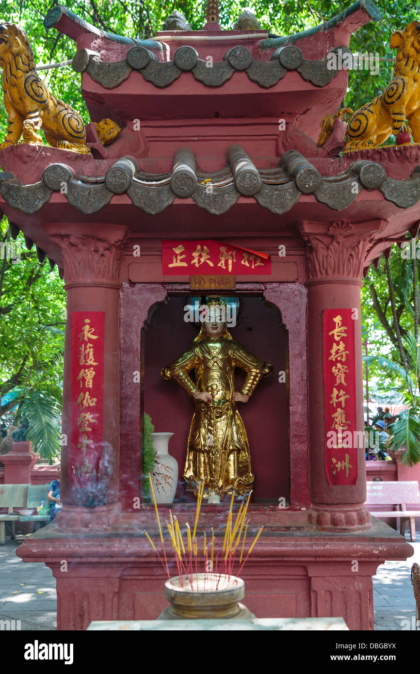 The Buddhist Jade Temple in downtown Saigon, Ho Chi Minh City, Vietnam, Asia. - Stock Image