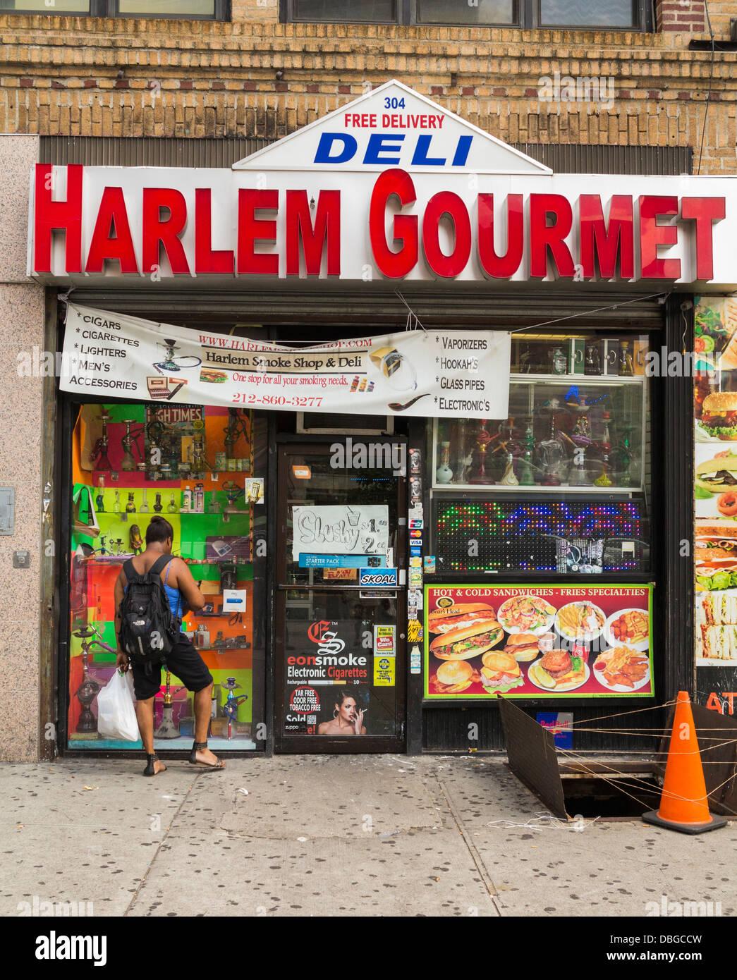A Deli in Harlem, New York - Stock Image