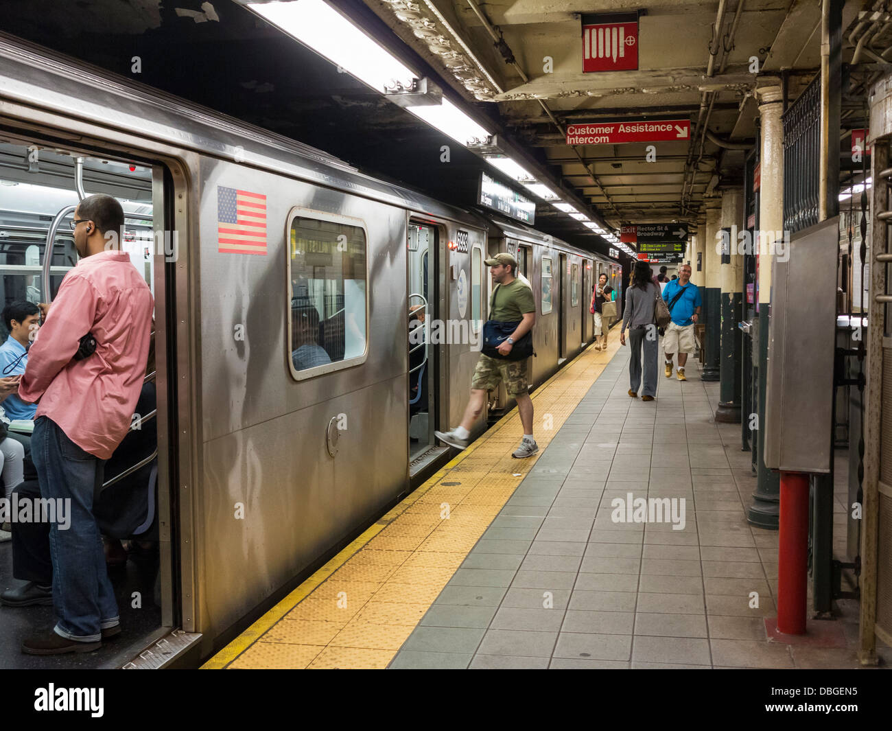 New York City subway station platform and train - Stock Image