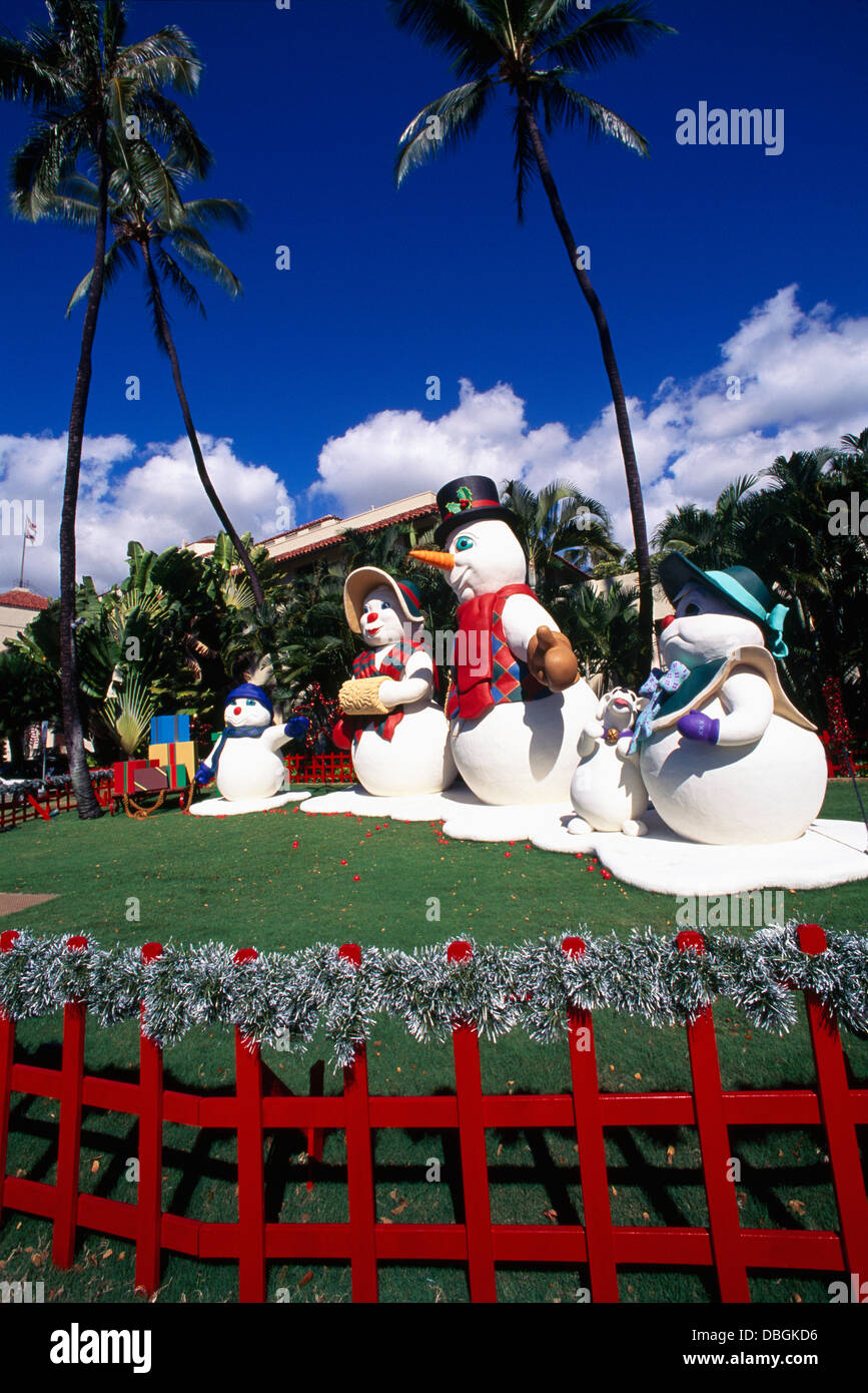 hawaii christmas snowman family figures and decorations honolulu hale city hall - Merry Christmas In Hawaii
