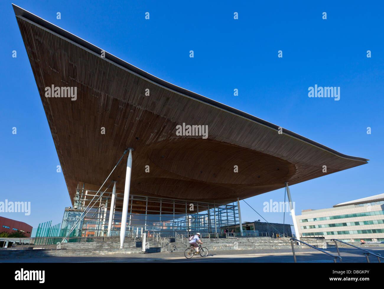 The Senedd or welsh assembly building Cardiff Bay South Glamorgan Wales UK GB EU - Stock Image