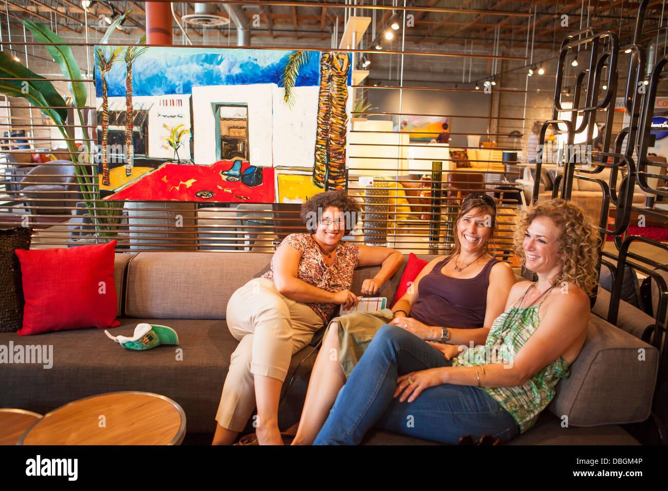 mayor Helene Schneider with friends at MichaelKate Interiors and Gallery, The Funk Zone, Santa Barbara, California - Stock Image