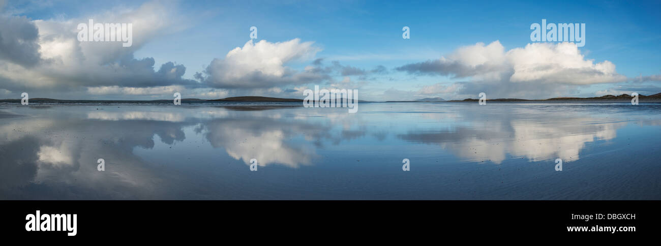 Reflection of clouds on Traigh Lingeigh beach, North Uist, Outer Hebrides, Scotland - Stock Image