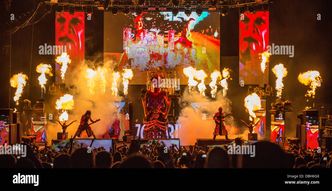 heavy metal horror band rob zombie performing live at
