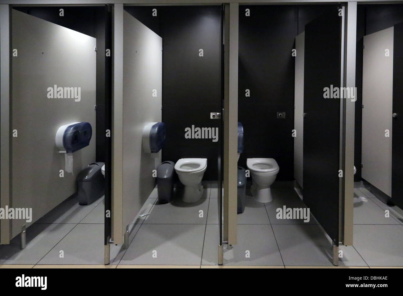 Public Toilets With Automatic Flush At Motorway Service Station England - Stock Image