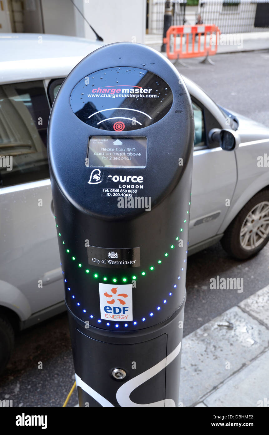 An electric car charge point in Mayfair, London - Stock Image