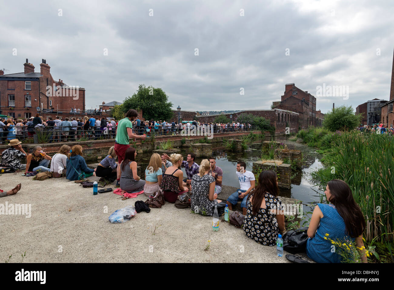 Crowds of people listening to bands in Kelham Island Sheffield South Yorkshire England at  Tramlines music festival Stock Photo