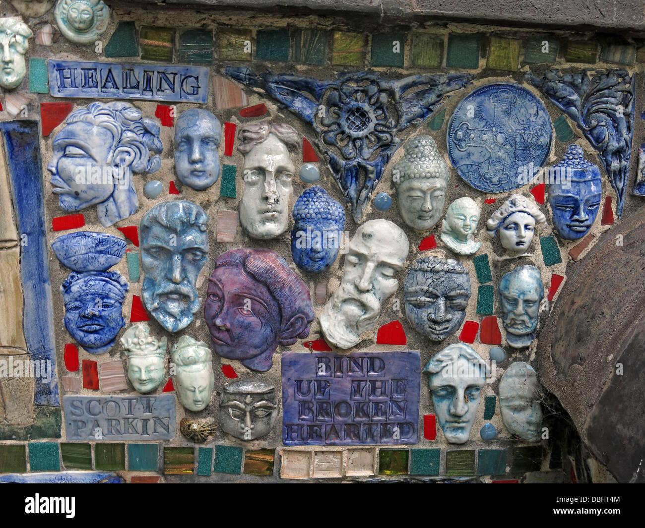 The Stoke Minster Pottery Bench - Stock Image