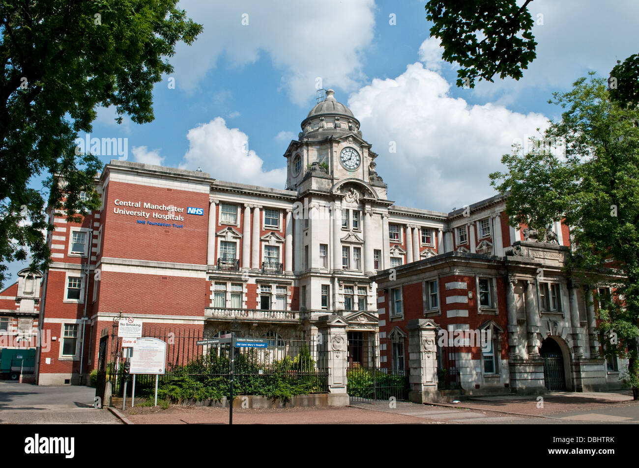 Central Manchester University Hospitals, Oxford Road, Manchester, UK - Stock Image